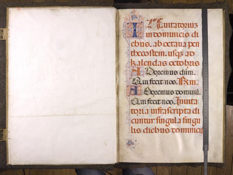 CHANTILLY, Bibliothèque du château, 0042 (1428), Contregarde - f. 001 avec réglet