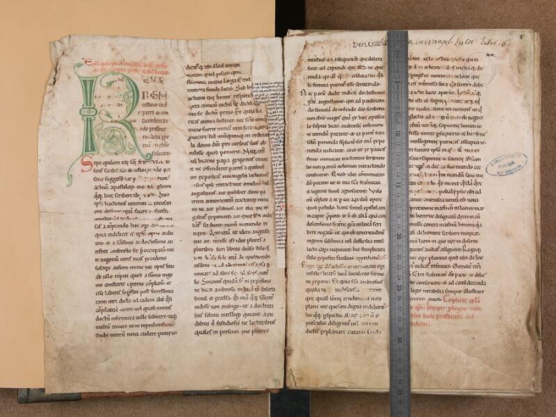 SAINT-OMER, Bibliothèque municipale, 0017, f. 000Av -  f. 002 avec réglet