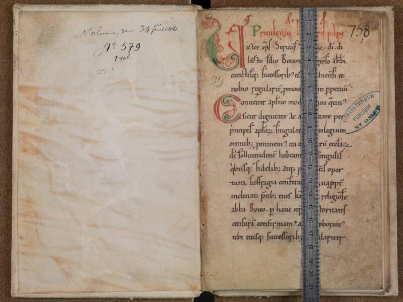 SAINT-OMER, Bibliothèque municipale, 0579, contreplat supérieur - f. 001 avec réglet